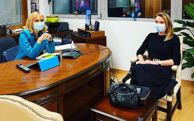 Η Μάρα Ζαχαρέα υποδέχθηκε την Τατιάνα Στεφανίδου για την πρώτη «καλησπέρα» – Newsbeast