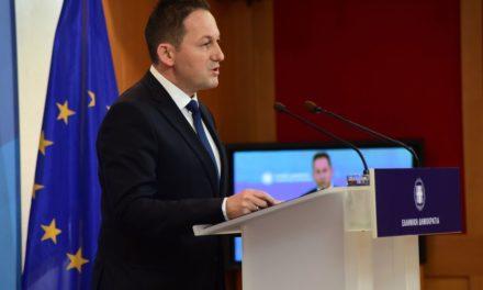 Πέτσας: Ο Τσίπρας έχει ταυτιστεί με τα ψέματα. Δείχνει στοιχεία για δαπάνες ως τις 29 Απριλίου