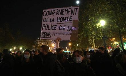 Πράσινο φως στο νομοσχέδιο για την «καθολική ασφάλεια» και την απαγόρευση φωτογράφισης της αστυνομίας στη Γαλλία