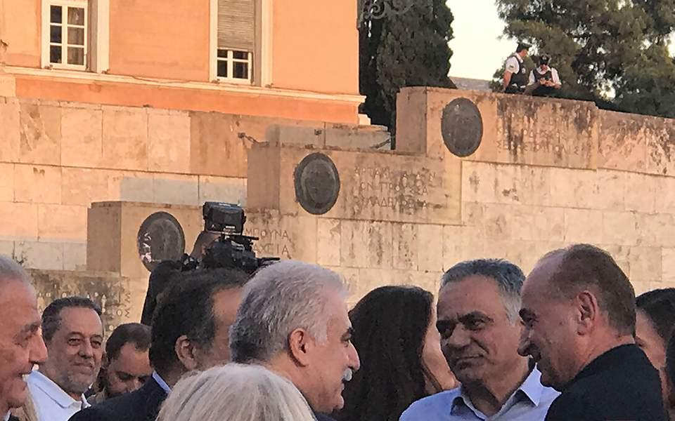 Και ο αρχηγός του Λιμενικού Σώματος στη συγκέντρωση του ΣΥΡΙΖΑ (φωτο)