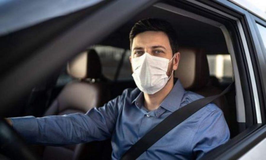 Το ποινολόγιο της μη χρήσης μάσκας στο αυτοκίνητο