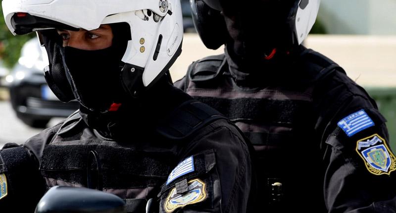 Επίθεση με πέτρες εναντίον αστυνομικών της Ομάδας ΔΙ.ΑΣ. στο Δαφνί