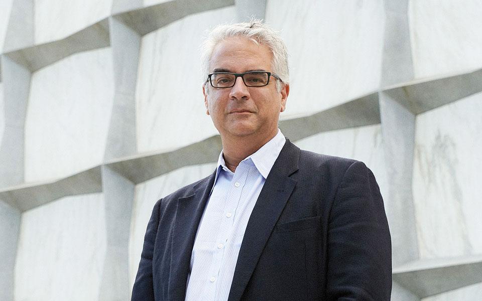 Νικόλας Χρηστάκης καθηγητής του Yale : Θα υπάρξει και 3ο κύμα κορονοϊού