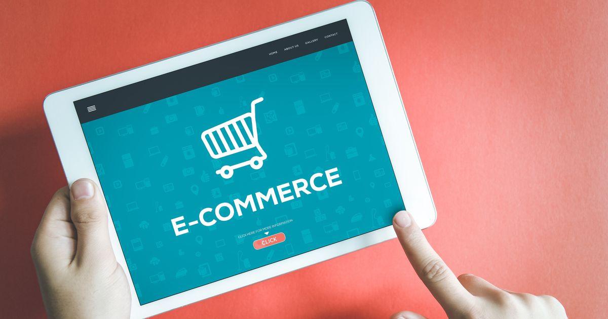 Πάνω το e-commerce, κάτω οι πωλήσεις