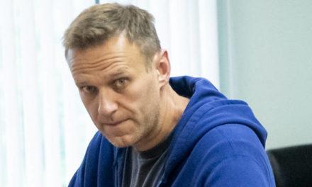 «Ασθενή με μανία καταδίωξης» χαρακτηρίζει το Κρεμλίνο τον Αλεξέι Ναβάλνι – Newsbeast