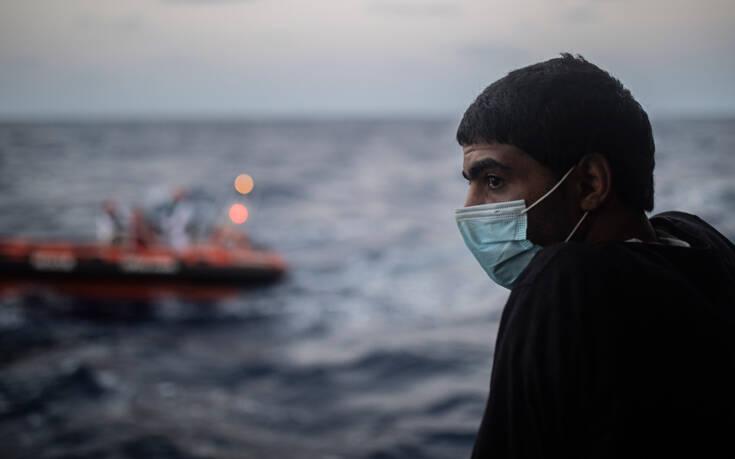 Στους 9 έφτασαν οι νεκροί μετανάστες στο ναυάγιο στο αρχιπέλαγος των Καναρίων