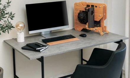 Το χειροποίητο κουτί υπολογιστή με την πρωτότυπη σχεδίαση κατασκευασμένο από ελληνικά χέρια