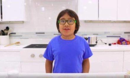 Ένας 9χρονος είναι ο μεγαλύτερος εισοδηματίας του YouTube – Newsbeast