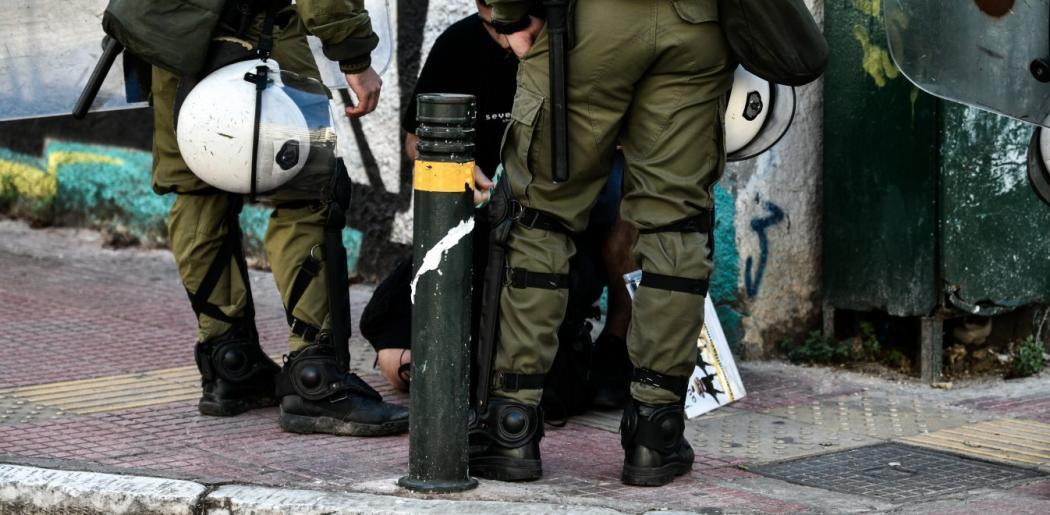 Επέτειος Γρηγορόπουλου : Τι υποστήριξε ο αστυνομικός που κατέστρεψε την ανθοδέσμη