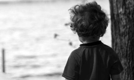 Ακέφαλο σώμα μικρού παιδιού ξέβρασε η θάλασσα στα Βατερά