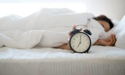 Πότε πρέπει να πας για ύπνο για να ξυπνήσεις φρέσκος το πρωί – Newsbeast