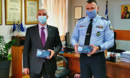 Δωρεά μασκών από το Hilton στη Διεύθυνση Αστυνομίας Αθηνών