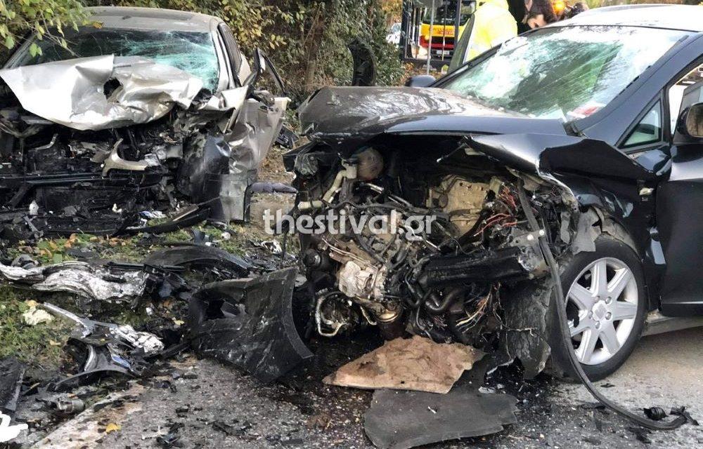 Φριχτό τροχαίο στη Θεσσαλονίκη με έναν νεκρό – Σε άμορφη μάζα μετατράπηκε το ένα αυτοκίνητο – BINTEO – ΦΩΤΟ