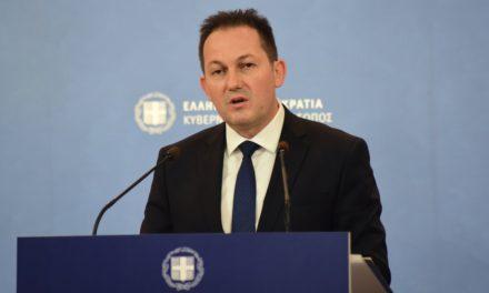 Πέτσας: Προτεραιότητα της κυβέρνησης είναι να ανοίξουν τα σχολεία όλων των βαθμίδων