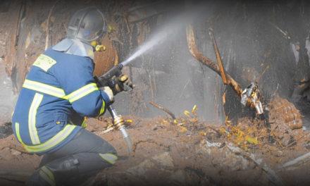 Τέσσερα μέτωπα φωτιάς, 331 πυροσβέστες, 101 οχήματα στη μάχη με τις φλόγες