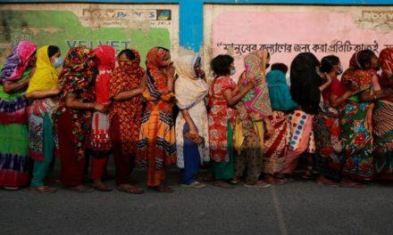 Οι αρχές του Μπανγκλαντές εμβολιάζουν τις ιερόδουλες στον μεγαλύτερο οίκο ανοχής