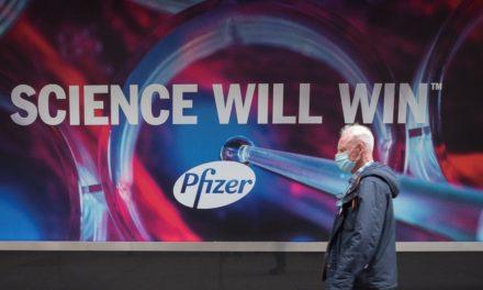 Εσοδα 15 δισ. δολαρίων αναμένει η Pfizer το 2021 από το εμβόλιο για την Covid-19