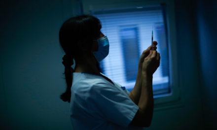 Μόνο το 2% των Ισπανών αρνήθηκε να κάνει το εμβόλιο