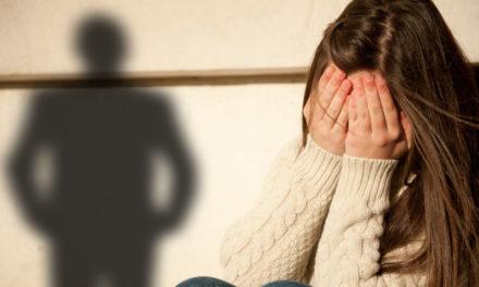 Λάρισα: Ποινική δίωξη σε 56χρονο – Προσπάθησε να βάλει ομοίωμα ανδρικού μορίου στο στόμα 13χρονης μαθήτριας!