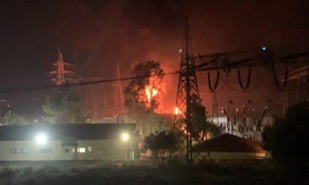 Μπλακ άουτ σε περιοχές της Αττικής – Ξέσπασε φωτιά σε υποσταθμό της ΔΕΗ στον Ασπρόπυργο – BINTEO
