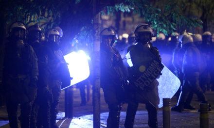 ΣΥΡΙΖΑ: Να τεθούν σε διαθεσιμότητα οι αστυνομικοί που εμπλέκονται σε καταγγελίες για αστυνομική βία