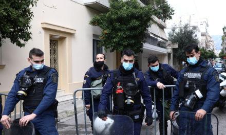 Βίντεο από την επίθεση με μολότοφ στο Α.Τ. Καισαριανής
