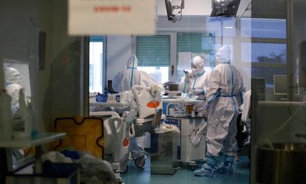 «Κόλαση» ο επόμενος μήνας για τα νοσοκομεία της Γαλλίας