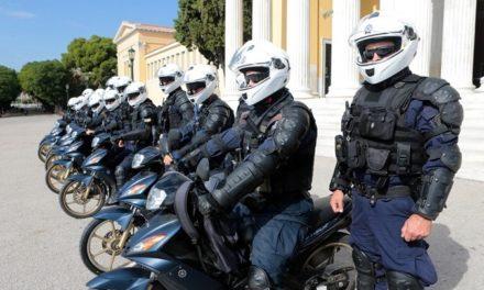 Ο ΣΥΡΙΖΑ ρωτάει τον Μ. Χρυσοχοΐδη για τη χρήση των πτυσσόμενων γκλοπ από αστυνομικούς