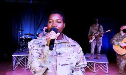 Η συγκινητική εκτέλεση του «Χορού του Ζαλόγγου» από την μπάντα του αμερικανικού στρατού