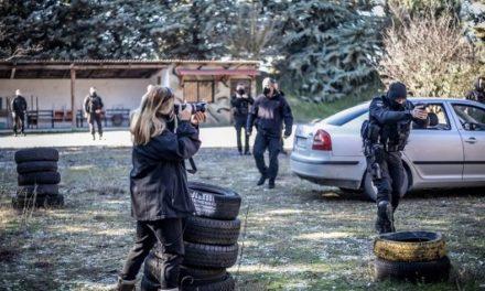 Ελληνες αστυνομικοί πρωταγωνιστούν σε ντοκιμαντέρ που θα προβληθεί στη Νέα Υόρκη