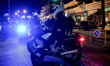 Αστυνομικοί απένειμαν τιμητική πλακέτα σε Βουλευτή για την στήριξη της στην Ομάδα ΔΙ.ΑΣ.