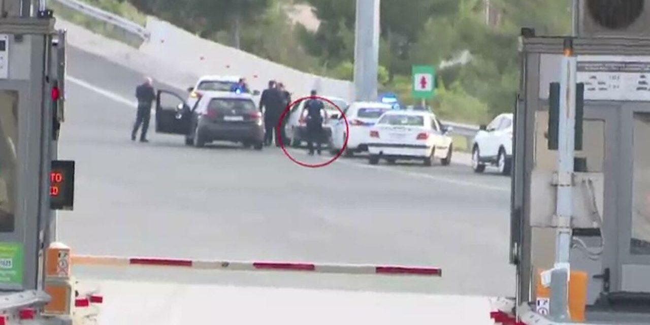ΒΙΝΤΕΟ: Καταδίωξη στην εθνική οδό – Οδηγός δεν σταμάτησε σε έλεγχο στα διόδια Ελευσίνας