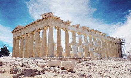 BBC: Η Ελλάδα περιμένει την επιστροφή των τουριστών