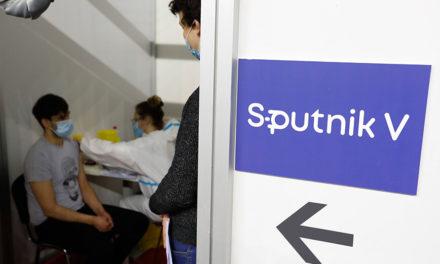 6,8 εκατομμύρια άνθρωποι έλαβαν και τις δύο δόσεις του Sputnik V
