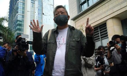 Μεγιστάνας οδηγείται στη φυλακή για… οργάνωση διαδηλώσεων