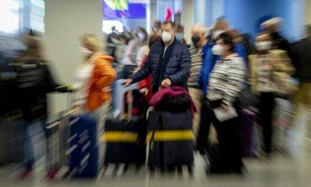 Συνωστισμός στα αεροδρόμια της Αυστραλίας μετά την άρση καραντίνας στους ταξιδιώτες για Νέα Ζηλανδία