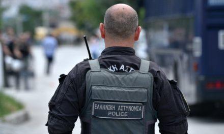 Τι κατέθεσε η σύζυγος του αστυνομικού που δέχτηκε επίθεση στους Αμπελόκηπους