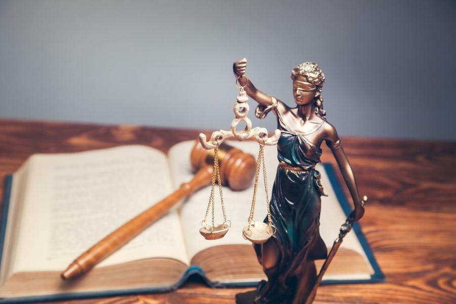 Τα τρία αγκάθια της Δικαιοσύνης: Χωροταξία, διοίκηση δικαστηρίων και αξιολόγηση δικαστών και εισαγγελέων – Τι λέει έρευνα της διαΝΕΟσις