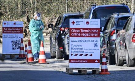 Σχεδόν 8.500 νέα κρούσματα κορονοϊού στη Γερμανία
