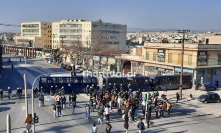 Θεσσαλονίκη: Συγκέντρωση και πορεία ζητώντας να απελευθερωθούν οι προσαχθέντες /ΒΙΝΤΕΟ