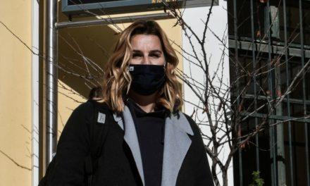 """""""Αφυπνίζει"""" συνειδήσεις η Σοφία Μπεκατώρου: Η κακοποίηση είναι σαν πένθος που πάντα κουβαλάς – ΒΙΝΤΕΟ"""