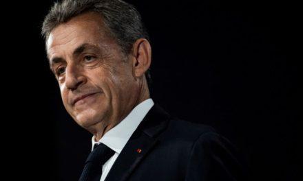 """""""Σεισμός"""" στη Γαλλία: Ένοχος για διαφθορά ο πρώην πρόεδρος Νικολά Σαρκοζί – Καταδικάστηκε σε 3 χρόνια φυλάκιση, θα πάει φυλακή τον έναν – Έχει δικαίωμα να αιτηθεί κατ' οίκον περιορισμό με """"βραχιολάκι"""" – BINTEO"""