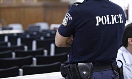 Ποια κατηγορία αντιμετωπίζει ο αστυνομικός που συνελήφθη εχθές