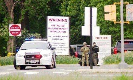 Ένοπλος προσπάθησε να μπει στην έδρα της CIA – Τραυματίστηκε από πυρά αστυνομικών του FBI
