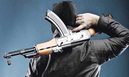 Μένιος Φουρθιώτης: Βίντεο ντοκουμέντο με τους δύο κατηγορούμενους πριν πυροβολήσουν το σπίτι του