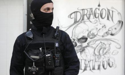 Θέατρο «Εμπρός»: Νέα επιχείρηση της αστυνομίας στο κατειλημμένο κτήριο