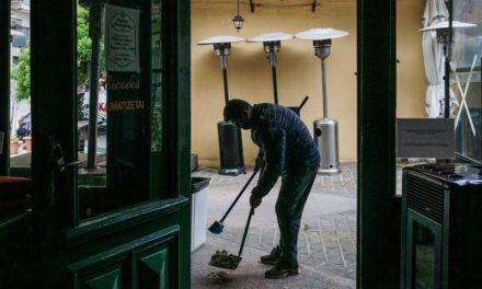 Γεωργιάδης: Δεν τίθεται θέμα προστίμου για όσους φεύγουν από ένα κατάστημα εστίασης στις 11