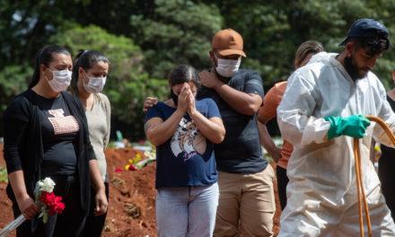 Πάνω από 2.400 θάνατοι και σχεδόν 79.000 κρούσματα σε 24 ώρες στη Βραζιλία