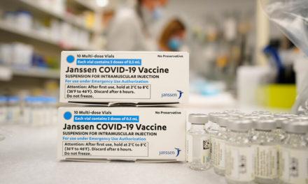 Το Βέλγιο «παγώνει» το εμβόλιο της Johnson & Johnson στους κάτω των 41 μετά τον θάνατο νεαρής γυναίκας