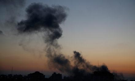 Σχεδόν 10.000 Παλαιστίνιοι έχουν αναγκαστεί να εγκαταλείψουν τα σπίτια τους στη Λωρίδα της Γάζας
